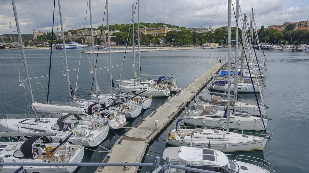Yachten in der Marina von Pula